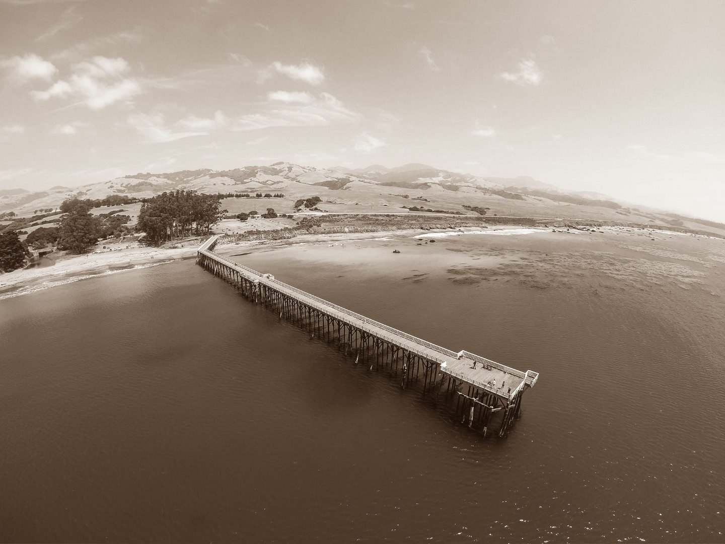 San Simeon Pier was an original whaling station in San Simeon, CA.